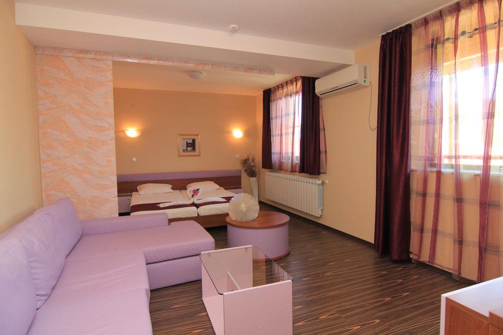 Стая 7 hotelrusenskilom.com
